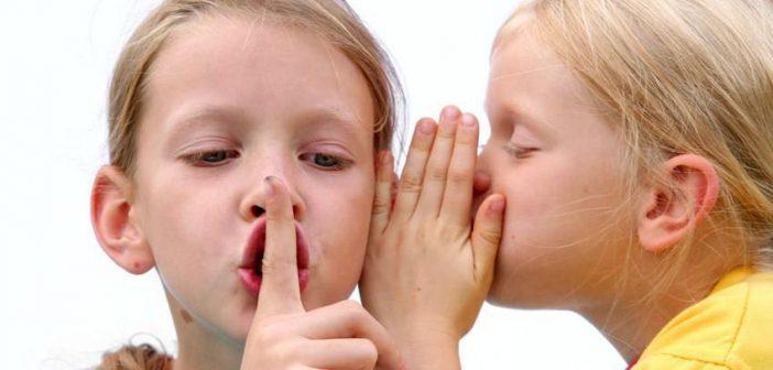 كيف تتعاملي مع الطفل الذي ينقل الكلام