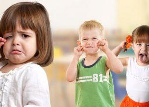 قصة تعلم الطفل كيفية التعامل مع الاصدقاء الذين يضايقوه