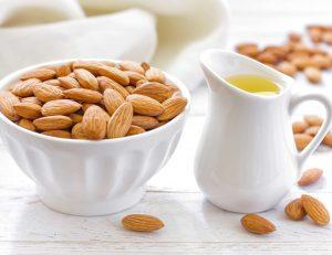 فوائد اللوز للبشرة وخلطات لعلاج وتغذية البشرة