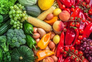خمسة اطعمة مفيدة ملونه احرصى ان تكون على سفرتك كل يوم