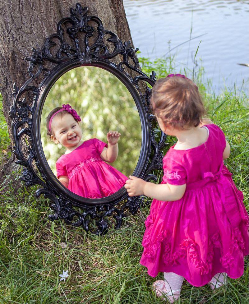 Photo of الام مرآة الطفل فكوني حذرة في تصرفاتك