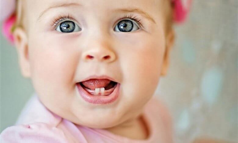 التسنين عند الرضع وتغذية الطفل في فترة التسنين