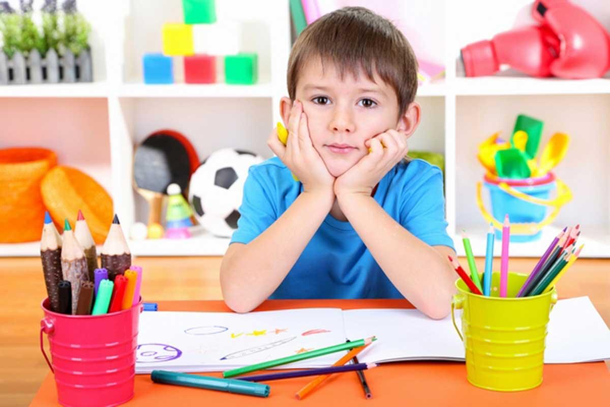 Photo of التعامل مع الطفل الاعسر الذي يستخدم يده اليسرى