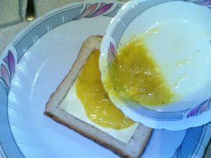 طريقة عمل سندوتش بالجبنه والبيض للاطفال فى المدرسه بالصور