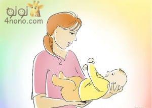 الطرق الصحيحه لحمل الطفل الرضيع