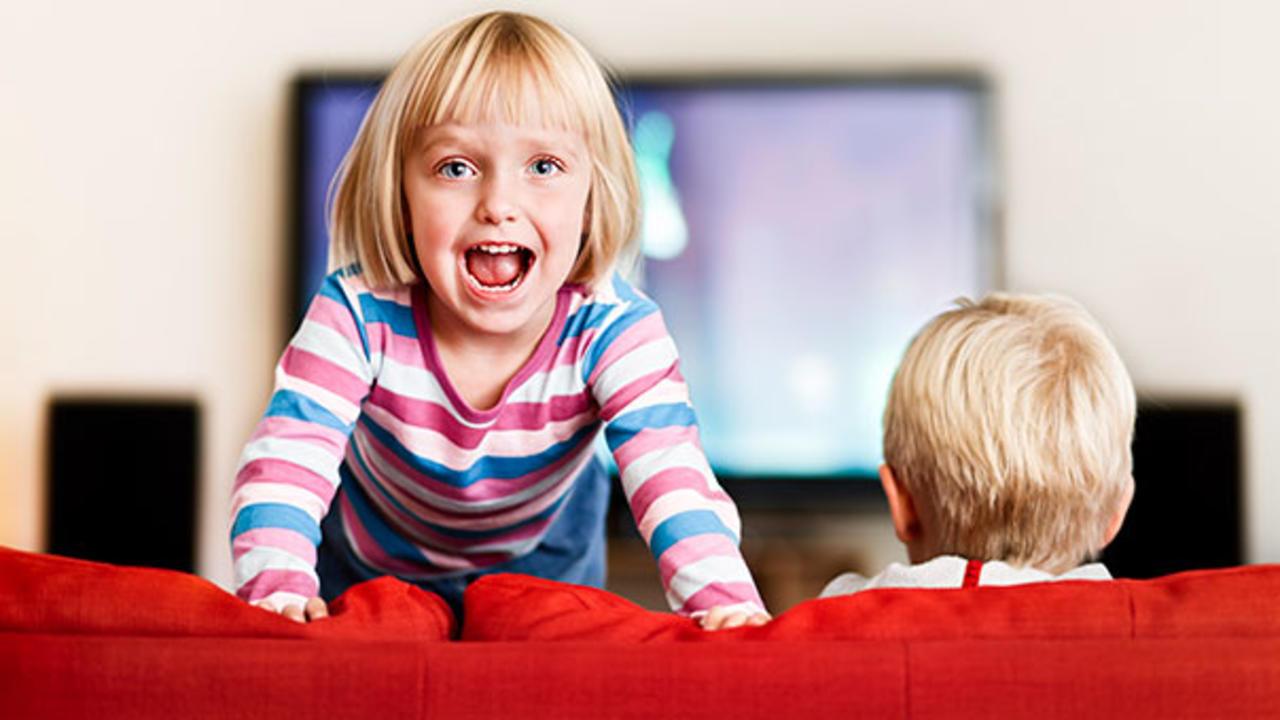 Photo of أحذروا من خطورة التلفاز على الطفل