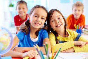 طرق بسيطة تجعلك تضمنين تركيز الطفل في اليوم الدراسي
