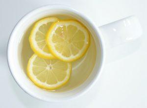 فوائد البهارات وبعض أنواع الفاكهة الغنية