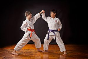 رياضة الكونغ فو قصة تعلم الطفل عدم الإفراط فى ممارسة أى شئ