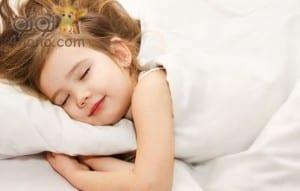 نصائح تساعد على تنظيم نوم طفلك اثناء فترة الدراسة