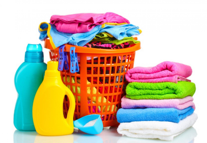 طريقة تنظيف الملابس وجميع انواع الاقمشة