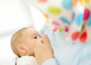 اهمية الرضاعة الطبيعية للوقاية من سرطان الثدى والمبايض