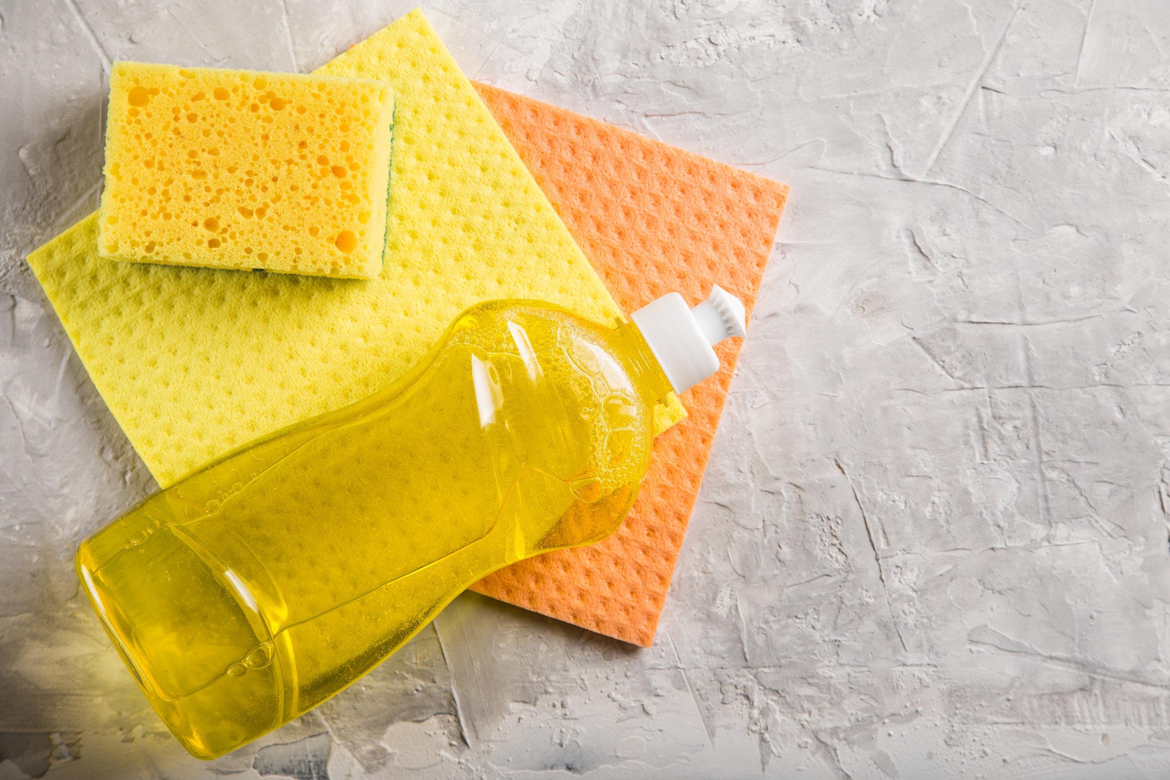 استخدامات منظف الاطباق بالمنزل في أشياء لا تتوقعيها