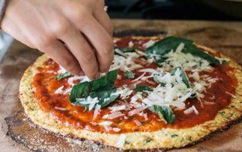 بيتزا القرنبيط بدون دقيق للشيف سالي فؤاد