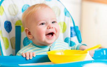 اكل الاطفال من عمر ستة أشهر الى السنتين