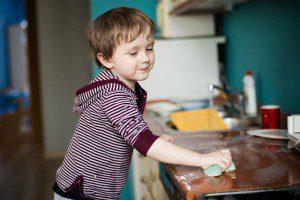 جربي الانشطة المنزلية المفيدة للاطفالك في الأجازة