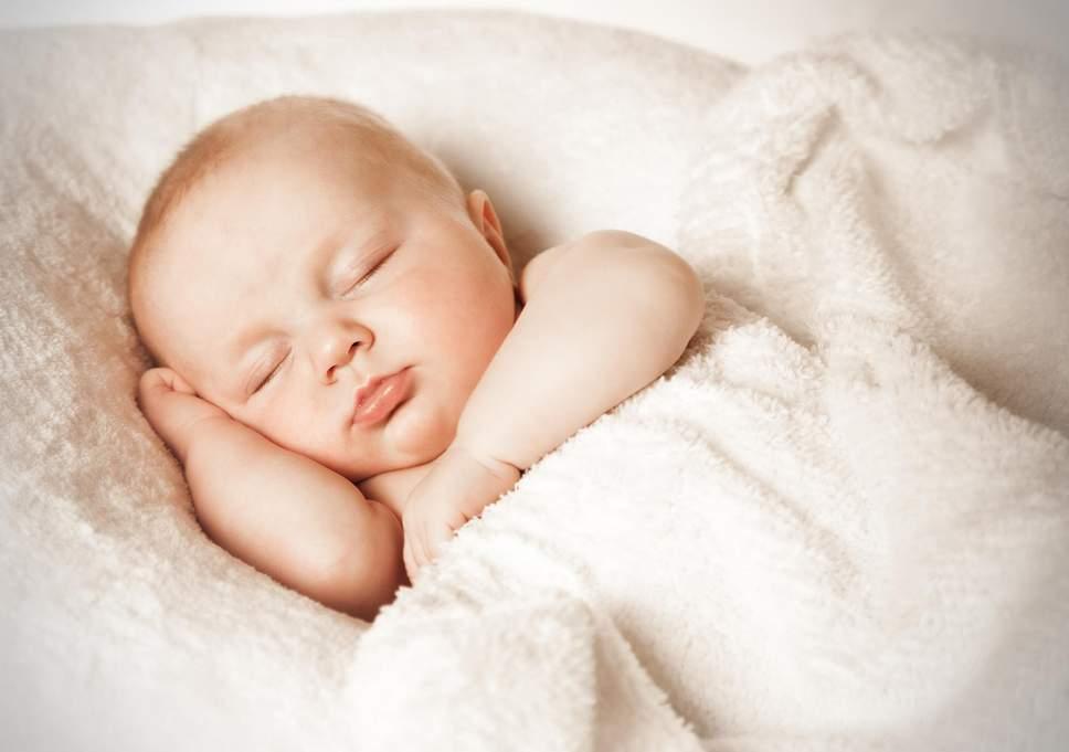 Photo of 7 خطوات كفيلة علي تنويم الطفل الرضيع بسرعة جداً