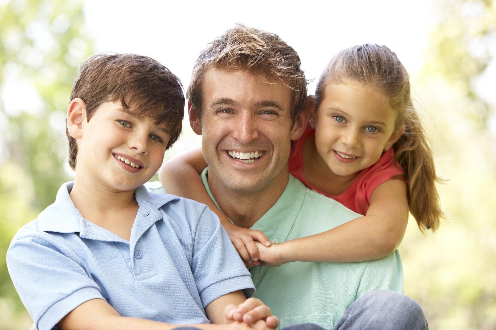 Photo of دور الأب في الأسرة و أهميته في تربية الاطفال