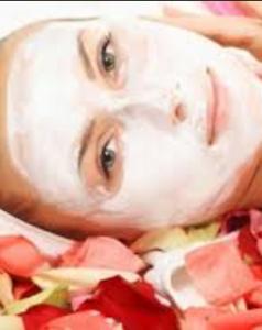 الحنة البيضاء وفوائدها لتفتيح وتوحيد لون البشرة