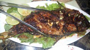 طريقة عمل السمك المشوي بالردة بالبيت