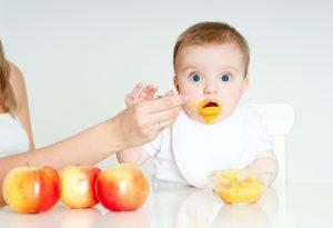غذاء الاطفال الرضع خطوة بخطوة حسب العمر للدكتورة ماجدة مطيع