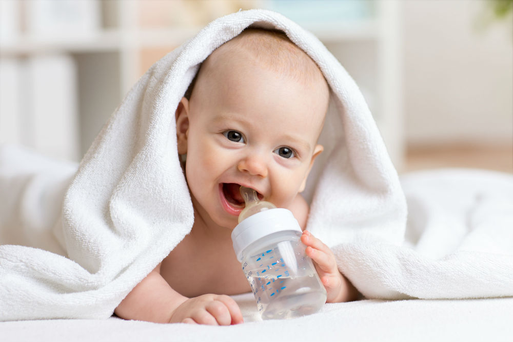 Photo of توجيهات شرب الماء للرضيع خلال السنة الأولى للدكتورة ماجدة مطيع