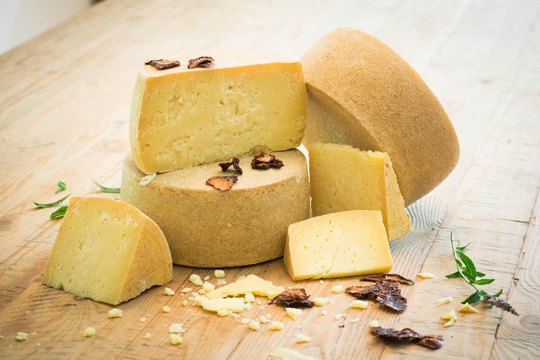 Photo of طريقة عمل الجبنة الرومي في المنزل