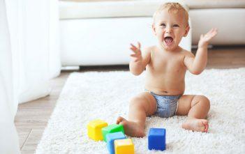 العاب اطفال يمكن لكل أم أن تلعبها مع طفلها الصغير