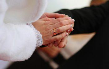 واجبات الزوجة تجاه زوجها و كيف تؤدي الزوجة دورها؟