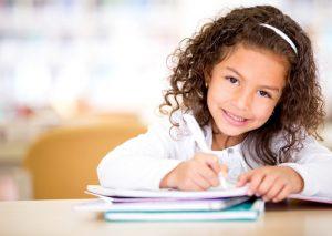 طرق تساعد إبنك على حفظ الدروس