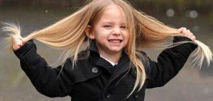 طرق تغذية شعر الاطفال