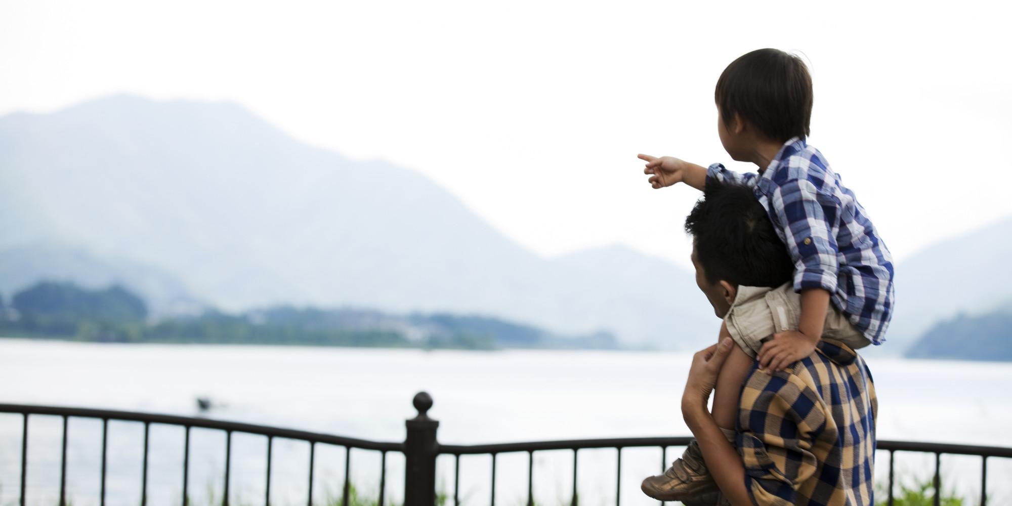 Photo of كيف تكون صديقاً لطفلك ليصبح سنداً لك في عجزك