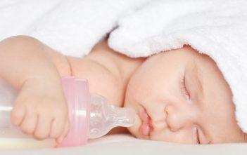 نصائح للجمع بين الرضاعة الطبيعية والرضاعة الصناعية