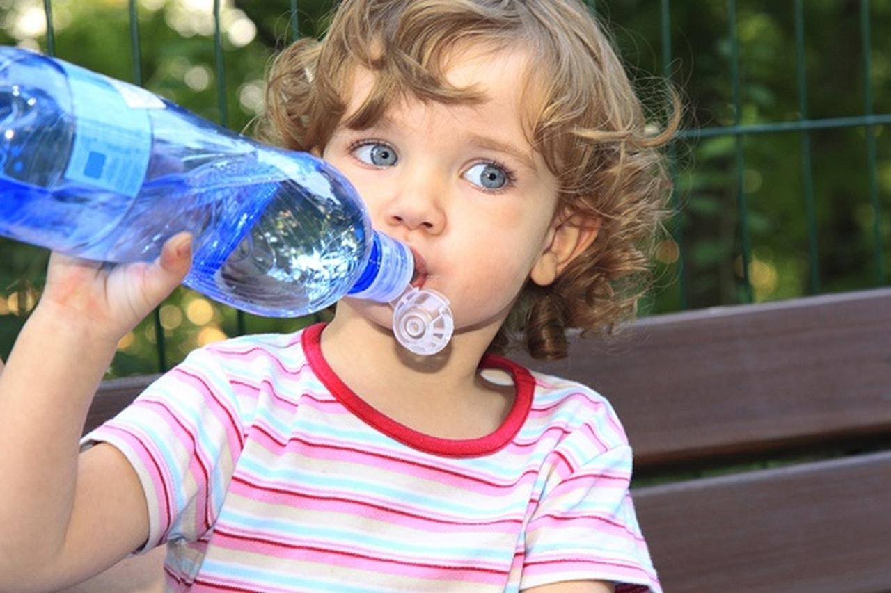 Photo of شجعي طفلك على شرب الماء بأفكار لذيذة
