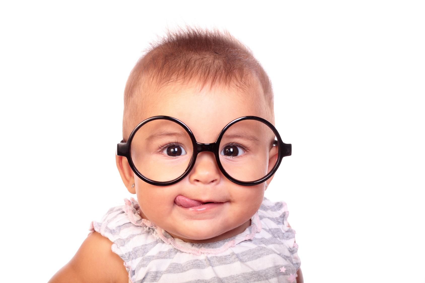 الحول عند الاطفال ما هو وأسبابه وطرق علاجه