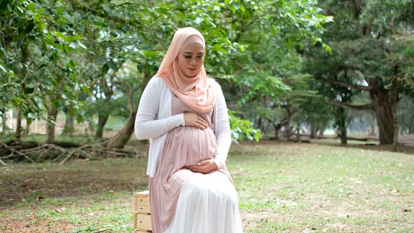 Photo of صيام الحامل في شهر رمضان و متى تفطر الحامل؟