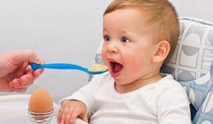 فوائد البروتين لصحة طفلك وكمية إحتياجه اليومي