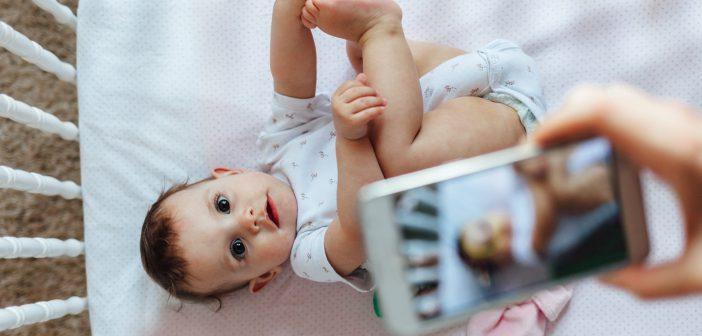 لا تنشري صور طفلك على مواقع التواصل الاجتماعي