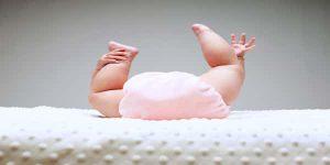 اسباب البراز الاسود عند الاطفال وطرق العلاج