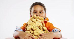 الطمع عند الاطفال وطرق علاج الطمع