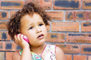 الطفل الكسول واللامبالاة الأسباب و طرق الحل