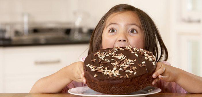 تغذية طفلك بالصيف قد تضره إذا تناولها بطريقة خاطئة