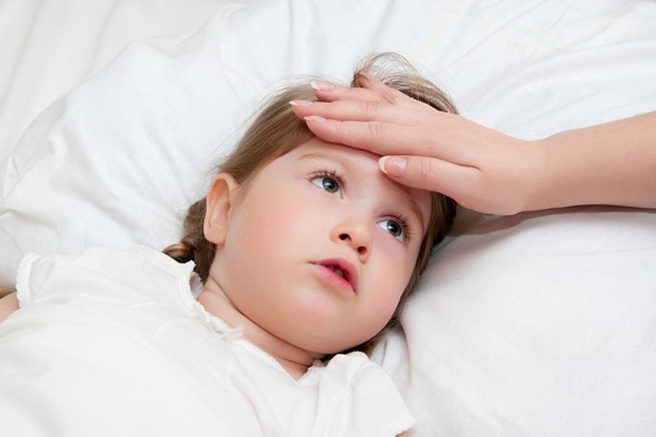 Photo of هل ضروري ارتفاع الحرارة عند الاطفال بعد التطعيم؟