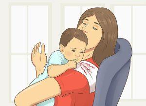 طرق تجشؤ الرضيع وهو نائم