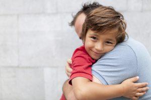 كيف اتعامل مع ابنى المراهق ؟ يرد علي بأسلوب غير مهذب