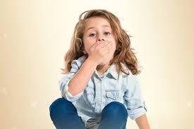كيف تتعامل مع كثرة الكلام عند الاطفال
