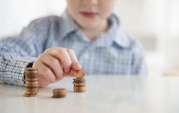 تعليم الاطفال قيمة المال بنصائح مفيدة