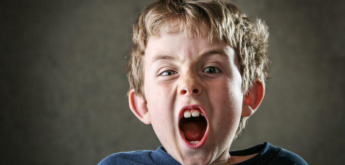 صراخ الطفل المستمر على طلب شيئ ونصائح للتغلب عليه