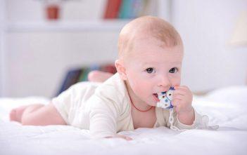 هل جل التسنين آمن على صحة الرضيع؟