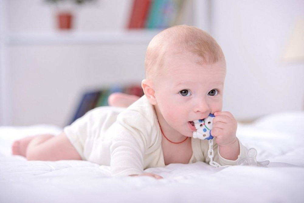 Photo of هل جل التسنين آمن على صحة الرضيع؟